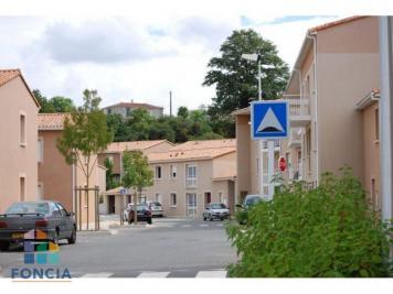 Achat maison Pouzauges • <span class='offer-area-number'>80</span> m² environ • <span class='offer-rooms-number'>4</span> pièces