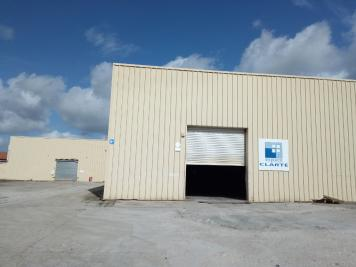 Location commerce Castres • <span class='offer-area-number'>2 500</span> m² environ