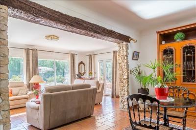 Achat maison Les Milles • <span class='offer-area-number'>360</span> m² environ • <span class='offer-rooms-number'>11</span> pièces
