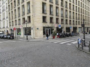 Location commerce Paris 04 • <span class='offer-area-number'>115</span> m² environ