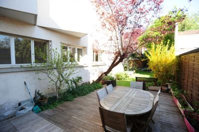 Achat maison Alfortville • <span class='offer-area-number'>218</span> m² environ • <span class='offer-rooms-number'>8</span> pièces