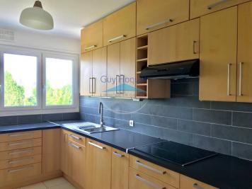 Appartement Plaisir • <span class='offer-area-number'>79</span> m² environ • <span class='offer-rooms-number'>4</span> pièces
