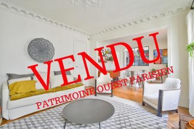 Appartement Paris 06 • <span class='offer-area-number'>82</span> m² environ • <span class='offer-rooms-number'>4</span> pièces