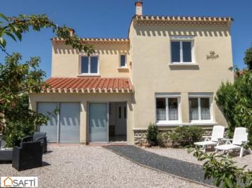 Vente villa St Cyprien • <span class='offer-area-number'>160</span> m² environ • <span class='offer-rooms-number'>8</span> pièces