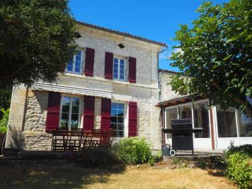 Maison Port d Envaux &bull; <span class='offer-area-number'>330</span> m² environ &bull; <span class='offer-rooms-number'>8</span> pièces