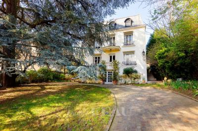 Achat hôtel particulier St Cloud • <span class='offer-area-number'>280</span> m² environ • <span class='offer-rooms-number'>10</span> pièces