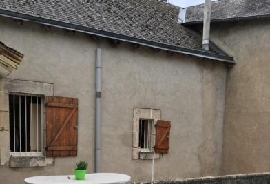 Maison Issoudun • <span class='offer-area-number'>215</span> m² environ • <span class='offer-rooms-number'>8</span> pièces