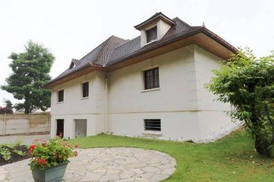 Achat maison Gretz Armainvilliers • <span class='offer-area-number'>205</span> m² environ • <span class='offer-rooms-number'>7</span> pièces