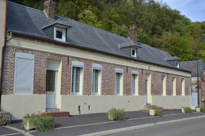 Vente maison Guise • <span class='offer-area-number'>177</span> m² environ • <span class='offer-rooms-number'>8</span> pièces