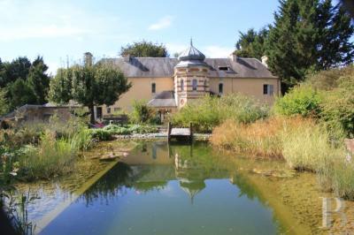 Achat château Caen • <span class='offer-area-number'>300</span> m² environ • <span class='offer-rooms-number'>8</span> pièces