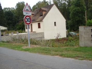 Terrain Crepy en Valois • <span class='offer-area-number'>1 051</span> m² environ
