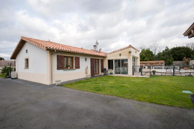 Agence immobiliere Villenave d'ornon 33 : GUY HOQUET VILLENAVE D'ORNON