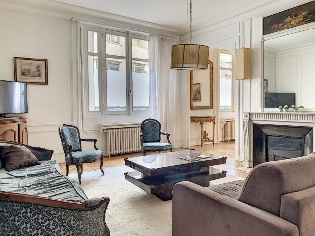 Appartement - 112 m² environ - 5 pièce(s)