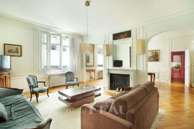 Appartement - 113 m² environ - 5 pièce(s)