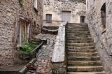 Comme Compiègne, Senlis dispose de belles maisons anciennes mais dont les tarifs ne sont pas accessibles à toutes les bourses.
