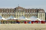Deauville et sa plage, à l'heure du Festival du cinéma américain.